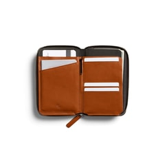 Bellroy Travel Folio - karamel