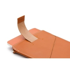 Bellroy Passport Sleeve - karamel